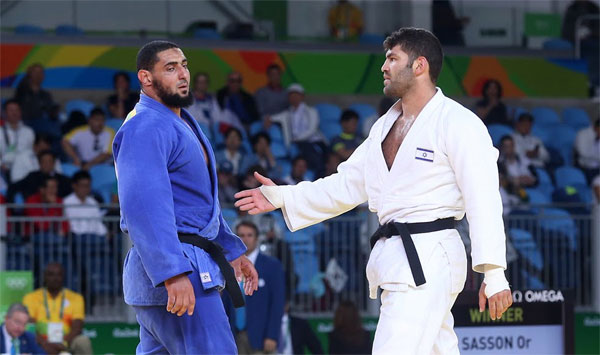 Egyptian judoka, who refused to hand-shake with Israeli opponent, sent home