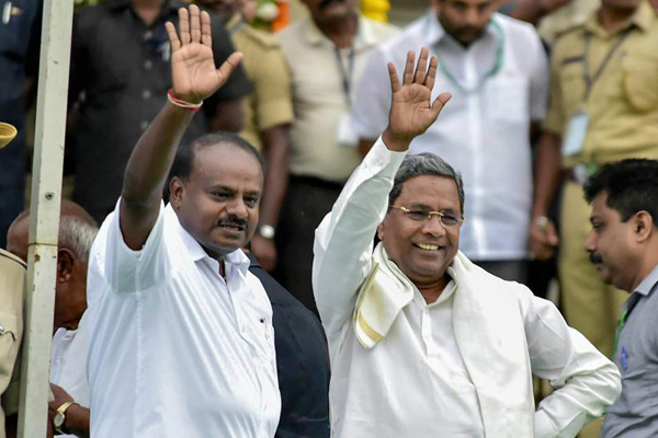 Karnataka Congress MLAs to meet to save coalition government