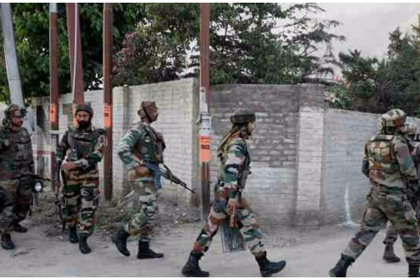 Pakistani LeT commander, Kashmiri militants killed in J&K