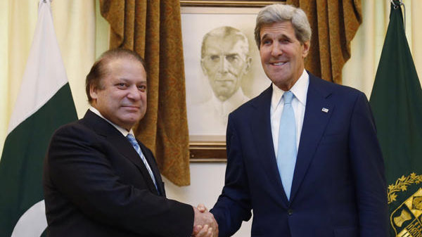 Kerry meets Nawaz Sharif, voices support for Pakistan