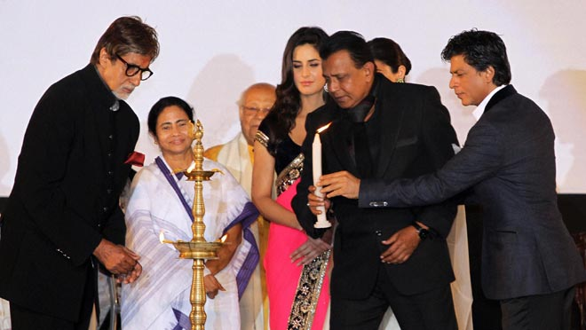 Kolkata film fest dawns amid starry night