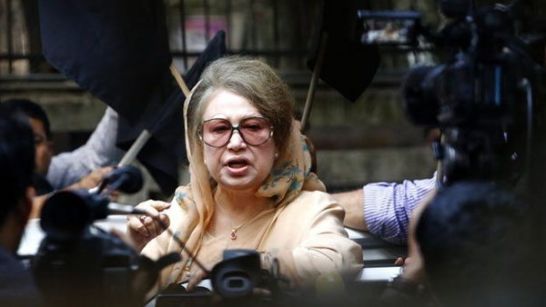 Blockade in Bangladesh to continue: Khaleda Zia