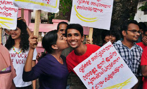 Kiss of Love sparks political spat between CPI-M and Congress