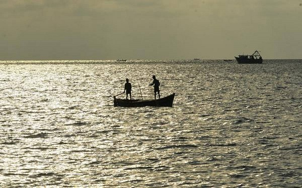 Indian Navy rescues 10 fishermen stuck due to lockdown