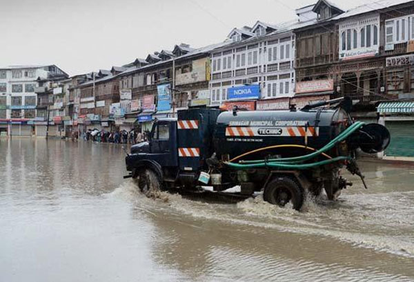 Floods ravage Kashmir Valley