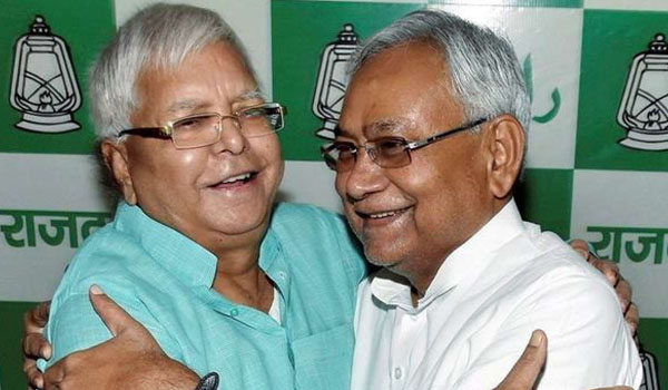 Lalu writes to Nitish: Its your habit to 'compromise