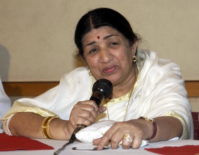 SRK may have been detained because of his surname: Lata