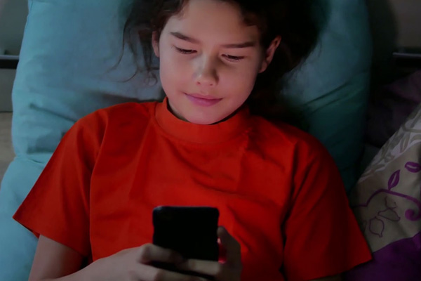 Late-night use of gadgets leaves kids sleep-deprived