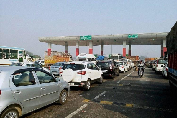 Telangana waives toll tax as thousands head home for Sankranti
