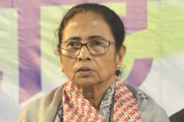 Mamata changes FB, Twitter DPs to Jai Hind, Jai Bangla