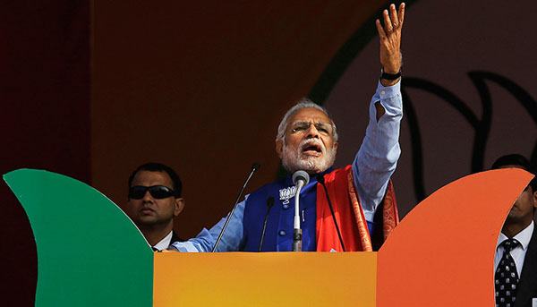 Modi promises uninterrupted power, asks people to punish AAP