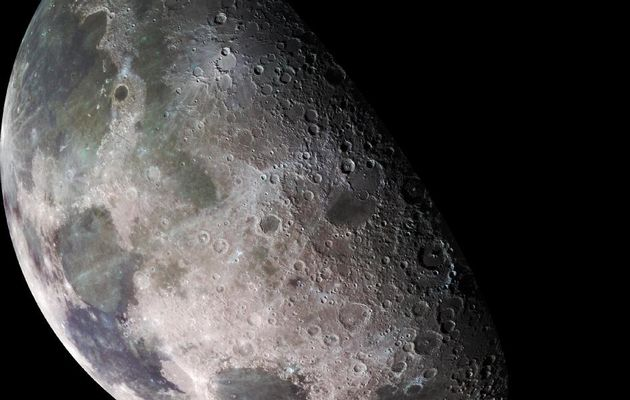 Scientists identify 280 craters on moon