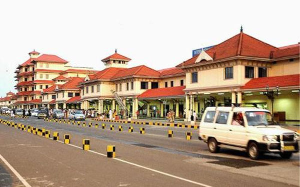 Security forces on high alert at Kochi airport after bomb threat
