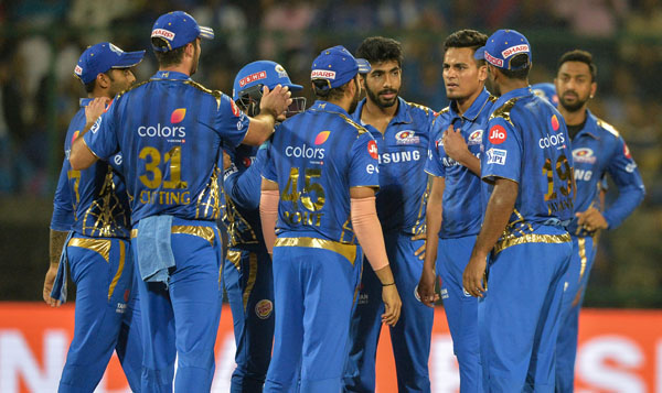 Clinical Mumbai thrash lacklustre Delhi