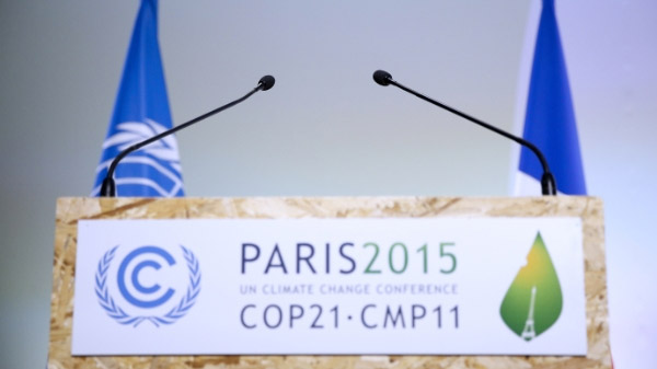 UN climate talks race to complete climate-saving draft