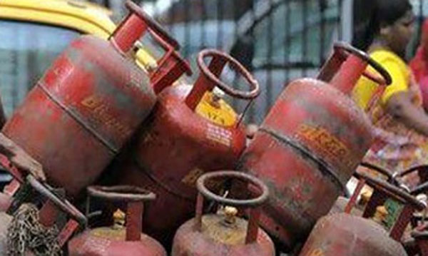 Non-subsidised LPG rate cut by Rs.5, jet fuel costs a little more