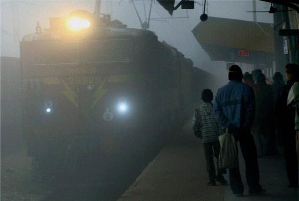 Dense fog envelops UP, rail and air transport crippled