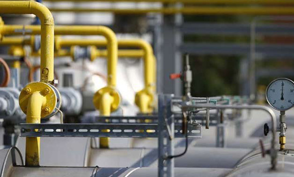 Indias oil imports to be 90 percent by 2020: Report