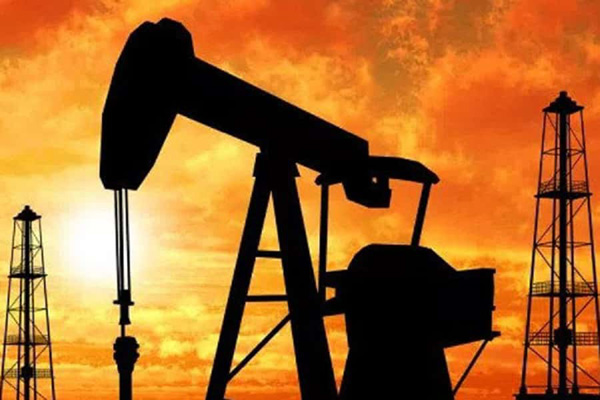 Oil prices edge up on global trade optimism