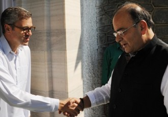 Jaitley has one-on-one meeting with Omar