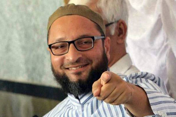 India my fathers country, nobody can force me flee: Owaisi