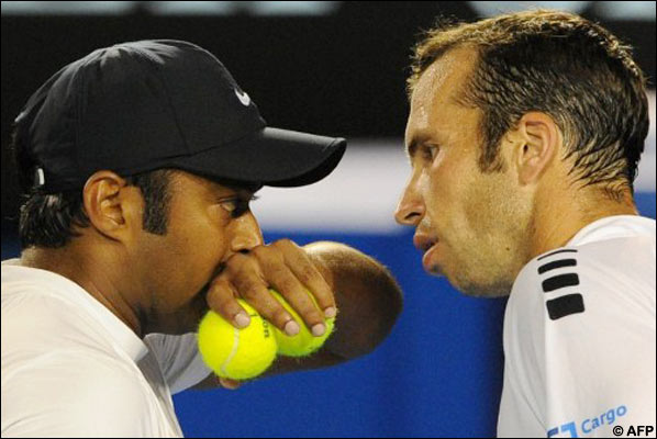 Australian Open: Paes and Stepanek knocked out