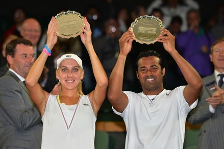 Paes, Vesnina go down fighting in Wimbledon final