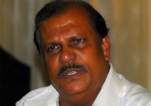 P C George meets Chandy, says he is ready to quit