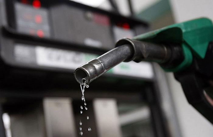 Global crude falls nearly $3 a barrel in a week, motorists rejoice
