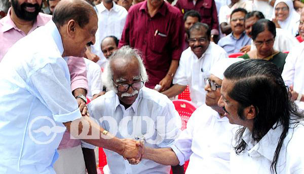 LDF stages dharna, demands resignation of ministers Mani, Babu