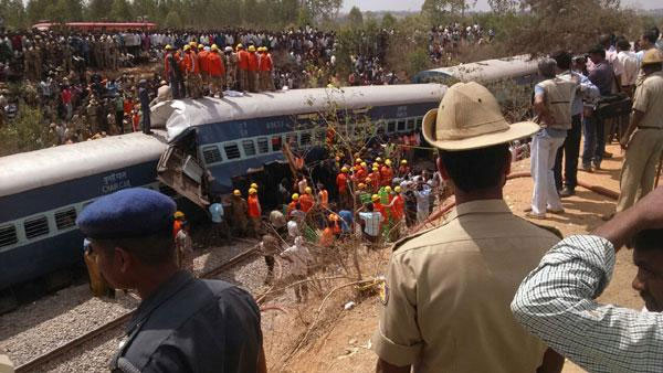 Nine killed, several injured as Bengaluru-Ernakulam train derails