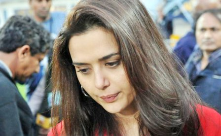 Preity Zinta returns to India, refuses comment on Ness Wadia case