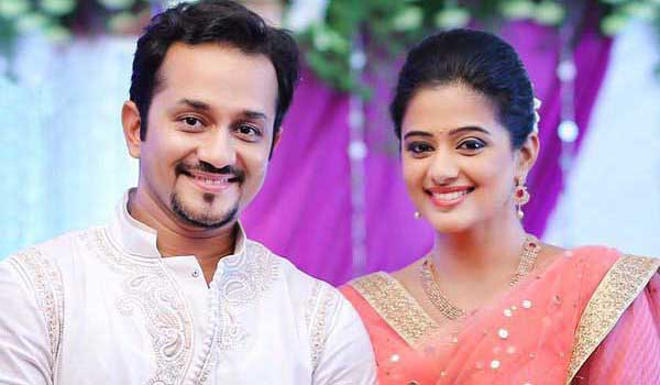 Actress Priyamani gets engaged