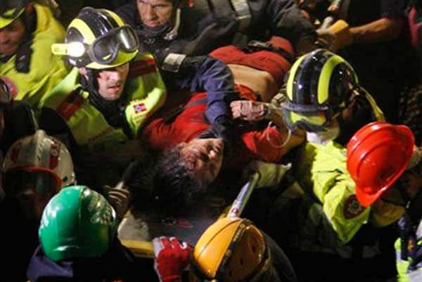 Woman pulled out from wreckage 128 hours after Nepal quake
