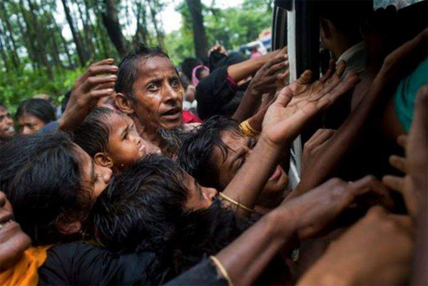 India rushes relief materials for Rohingya refugees in Bangladesh