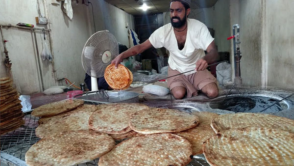 PM Khan orders roll back of roti, naan prices across Pakistan