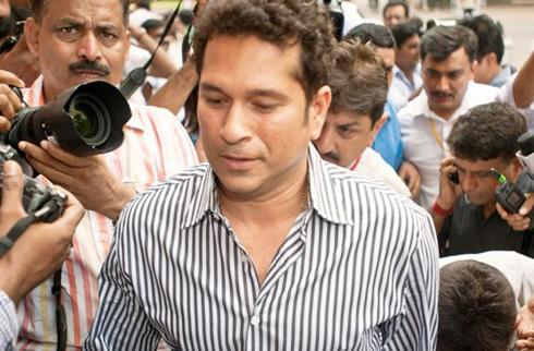 Missed the parliament due to family emergency: Tendulkar
