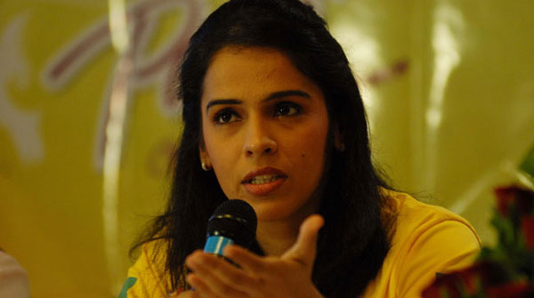 Saina regains top spot in rankings