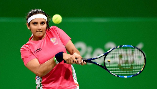 Sania Mirza moves alone at top of doubles rankings