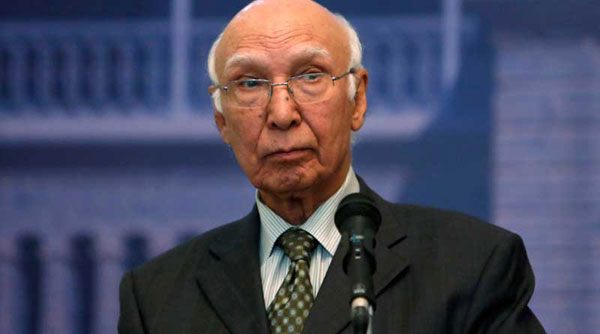 Talks with India only if Kashmir discussed: Sartaj Aziz