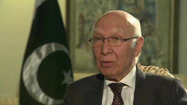 Talks with India only if Kashmir discussed: Sartaj Aziz