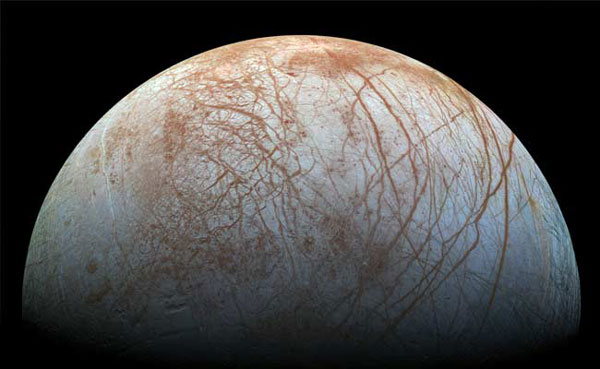 Scientists to explore Saturns icy moon for alien life