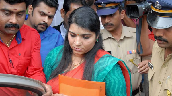 Saritha submits evidences in solar scam