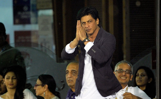 Rajasthan court summons Shah Rukh for smoking in public