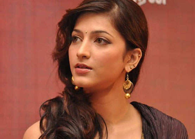 Stalker never approached for job: Shruti Haasan