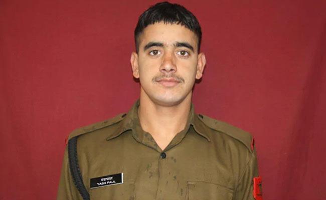 CRPF trooper shoots self after firing at colleagues