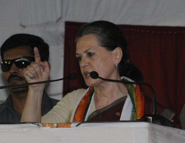 Sonia asks partymen not to bicker in public, learn lessons from rout