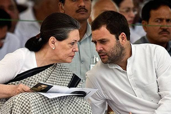 Rahul to contest from Amethi, Sonia from Rae Bareli