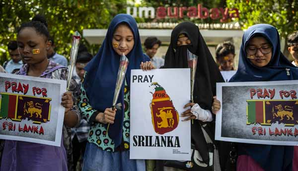 Scared Muslim refugees flee Sri Lankan homes over attack fears