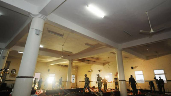 Three killed in blast at Saudi mosque